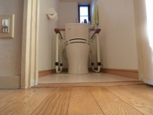 トイレ床段差解消工事