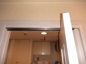 洗面所の建具交換